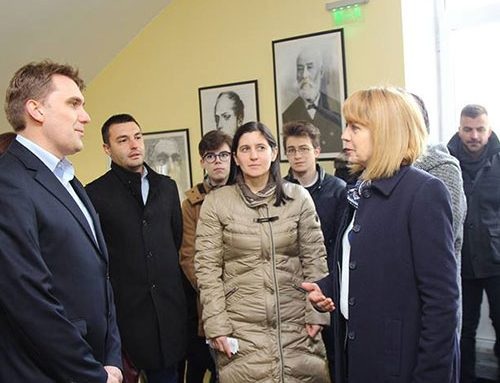 "Столичният кмет Йорданка Фандъкова посети СМГ ""Паисий Хилендарски"""